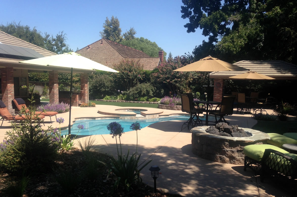 Outdoor Living with Pool and Synthetic Lawn Paradise Pools ... on Pool And Outdoor Living id=71901
